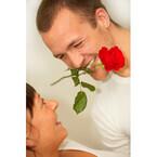 夫に性的魅力を感じる? - ヒゲやニオイフェチの妻、意外に多く……