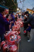 神奈川県厚木市の浅間山七沢神社にて「六夜祭(ろくやさん)」を実施