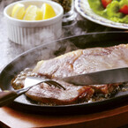 ステーキがおいしいファミレスTOP5--2位「フォルクス」3位「ビッグボーイ」