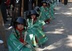 日本三大奇祭の一つ! 少女が琵琶湖畔を練り歩く「鍋冠祭」とは?-滋賀県