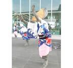 徳島県の阿波踊りに合わせて、徳島空港でも「踊る阿呆」と「見る阿呆」!?