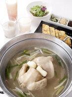 トロトロの鶏スープが絶品! 韓国でブームの美容鍋「タッカンマリ」とは?