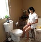 72%の妊婦が「妊娠中の便秘がつらい」と回答!予防と対処法「プルーンジュース」