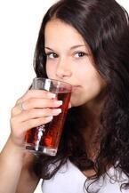 水や牛乳を飲む若者が減った。その理由は?―フランス事情