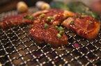 焼肉でおすすめの「お肉×タレ・トッピング」―豚カルビにバターしょう油