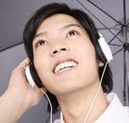 気分を盛り上げるのは? 男性に聞いた「梅雨に聴きたい雨ソング12」