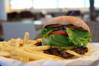 ハワイでBESTバーガー賞受賞「TEDDY'S Bigger Burgers」、表参道店の女子人気No.1のお味は?