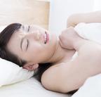 その音、気になってしょうがない! 働く女性が「睡眠を妨害されたエピソード」