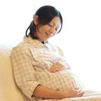 年齢とつわりのひどさは関係ない!? 妊娠トラブルが頻発する年齢とその原因