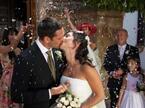意外と知らない海外習慣「ギリシャ:結婚するときには新聞で知らせなくてはならない」