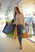 賢いイマドキ女子の買い物事情! 今年の秋冬ファッションで奮発したファッションアイテムの金額とは?