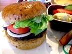 【大好き☆ハンバーガー】働く女性が好きなファーストフード店ランキング!