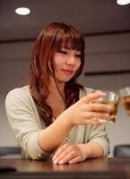 妄想が暴走! 女子が選んだ「一緒に飲みたい男性芸能人」⇒嵐の○○、大泉洋、アンガ田中など