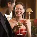 バーでの男性との出会い、あなたは本気にする?