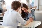 結婚するのやめようかなぁ……。婚約指輪の購入を渋る彼に彼女が思うセキララ本音4つ!