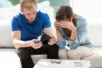 ウチの旦那ホントにバカ(泣)結婚後、旦那さんが多額の借金を背負ったら?⇒離婚するのは約〇割!
