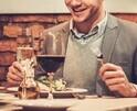 ゴチになります☆ 男性は自分から食事に誘った場合、おごるつもりなの?⇒約〇割がYES!