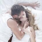 気持ちよすぎっ! 男が好きなのは「おはようのキス」or「おやすみのキス」?
