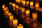 スローな夜を楽しむ「100万人のキャンドルナイト」、東京・増上寺で開催 - ハナレグミ、別所哲也ら出演