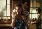 ケイト・ウィンスレット、映画『とらわれて夏』でゴールデングローブ賞主演女優賞にノミネート