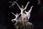 ジバンシィのリカルド・ティッシが手がける、初のパリ国立オペラ座のコスチューム・デザインを公開