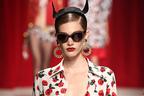 モスキーノ 2014年春夏コレクション - 祝ブランド生誕30周年、テーマは女性の「善」と「悪」