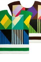 ミー イッセイ ミヤケ 7月の新作 - 旅の様々なシーンを描いたプリーツTシャツなど、新素材も