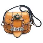 ミュウミュウから新コレクション「ダリア バッグ」伝統的なハンティングバッグから着想を得て