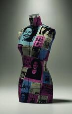 「小池千枝の軌跡~100年の情熱」展を世界の民俗人形博物館で - ケンゾーやヨウジヤマモト等の作品も