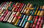 バーバリーからクリスマスに向けたカシミヤスカーフコレクション