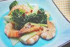 【ムーンダイエット】7月の上弦の月は腸を動かす「海老とブロッコリーのピリ辛マヨ炒め」!