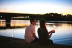 「会いたくなっちゃった」彼から溢れるくらいの愛情をもらえる彼女の特徴・4選