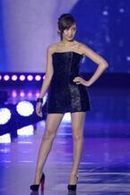 【東京ランウェイ】紗栄子、初ステージはミニドレスで魅了