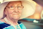 人生の先輩をお手本に! 今、話題の美しく年を重ねている、60代以上の女性に注目