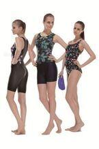 【デサント】ポイント補整でラインを美しく整える水着「プチ スマート」シリーズ発売