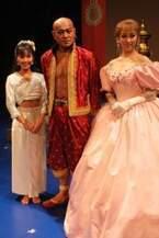 松平健が22年ぶりにシャム王に。『王様と私』全国公演がスタート