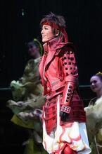 宝塚版『戦国BASARA』、熱く華やかに開幕! 蘭寿とむ「パワー全開で」と意気込み