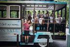 日本初! オーケストラを乗せたBoAオリジナルバスが都内を走行