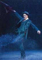 アダム・クーパー主演『雨に唄えば』が日本初上陸