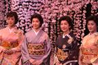 高橋、賀来、水野、大和が四姉妹。舞台『細雪』開幕