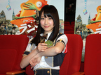 SKE48松井玲奈、カメレオンと映画『ランゴ』を観賞