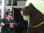 恐怖度33%…鈴木福、ゆうばりメロン熊と格闘