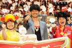 『プレーンズ2』の瑛太、子ども達を前に満面の笑み