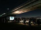 『E.T.』を野外上映! ねぶくろシネマが東京で開催