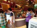 爆発的な長蛇の列を覚悟!シンガポールの中華風ビーフジャーキー人気店