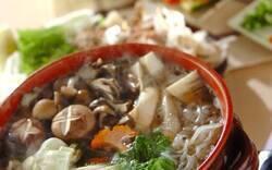 鍋レシピまとめ キムチ鍋に、もつ鍋。寒い冬はこれで温まろう!