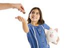 金銭感覚の教育。子供のお小遣いは何歳からいくらあげる?