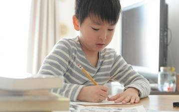 夏休みの宿題の定番! 読書感想文を上手に書くコツまとめ