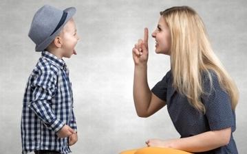 素直に謝るのが一番? 親子喧嘩や親子関係の修復法まとめ