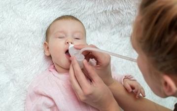 子どもの鼻づまりが辛そう…鼻水の原因を知って正しくケアするコツまとめ